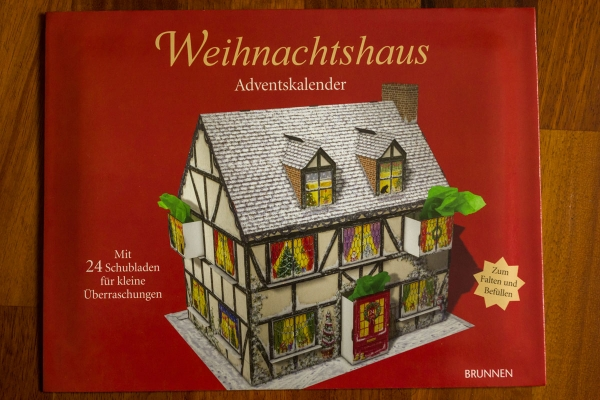 house-advent-calendar6D7BC083-CA90-A8D4-99A8-F03F12D15030.jpg